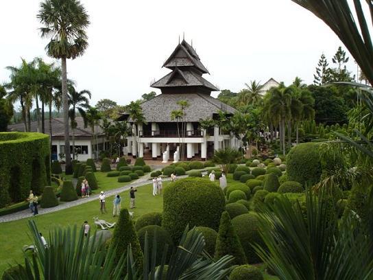Suan Nong Nooch Tropical Garden