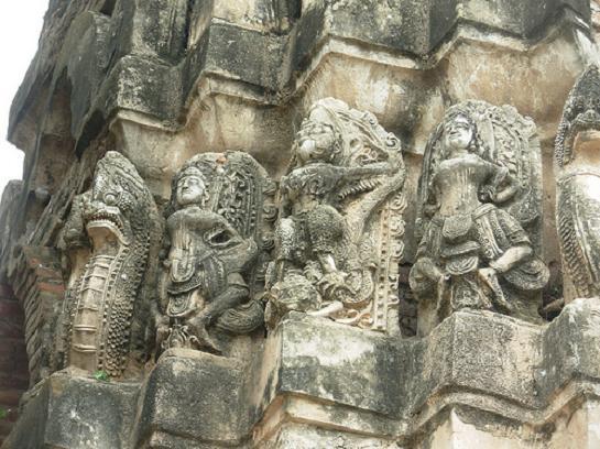 Makara Images at Wat Sri Sawai
