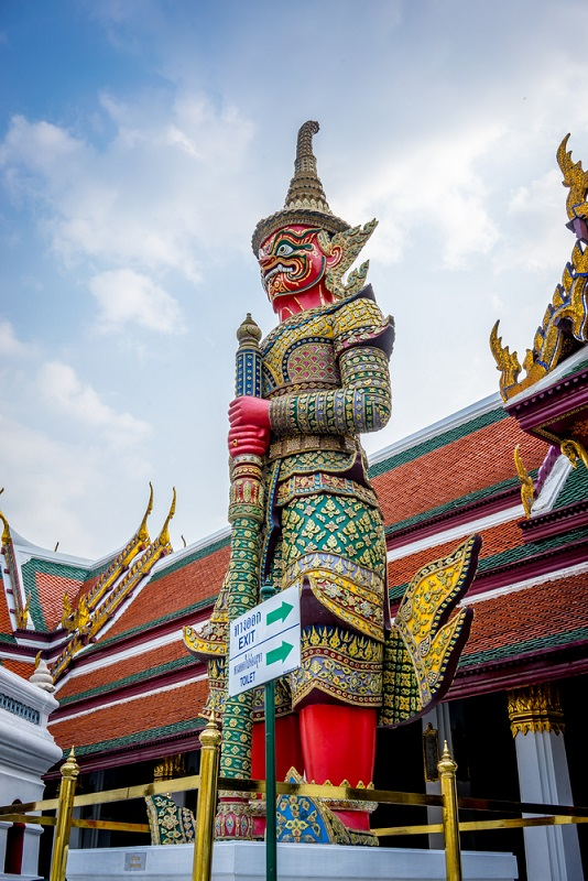 Mythical Beast stands tall atWat Phra Kaew Temple